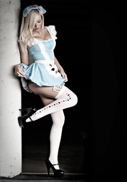 Alice nel paese delle calze