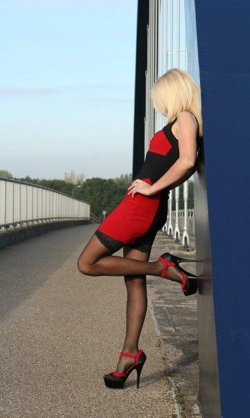 Belle gambe in rossonero