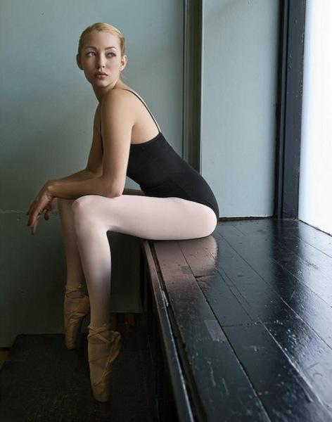 Ballerina in collant