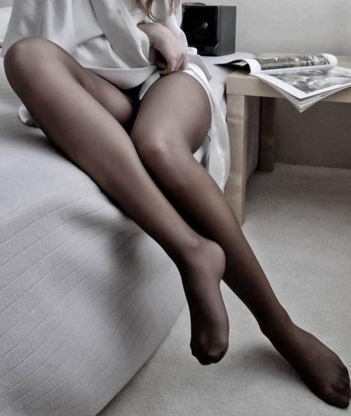 Belle gambe in collant neri