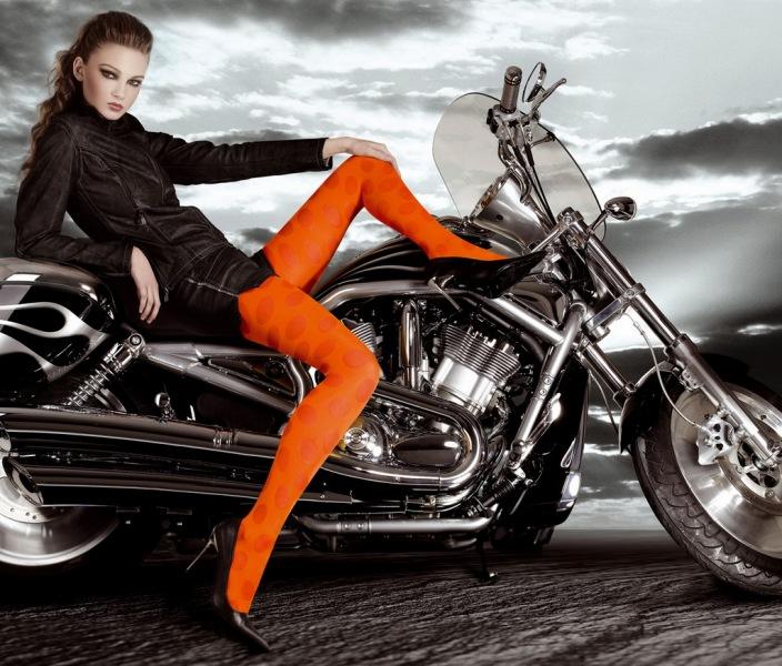 Moto, gambe e collant