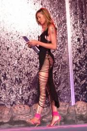 Le lunghissime gambe di Elenoire