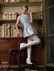 Emma Watson in biblioteca