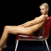 Jo Guest sulla sedia