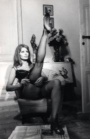 Sofia Loren a gamba levata
