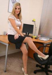 Scarpe sulla sedia