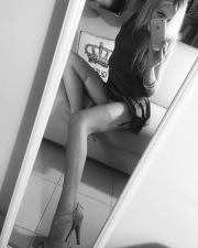 Miss febbrao in calze e reggicalze