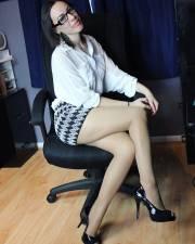 Miss gennaio in ufficio