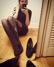 Miss maggio allo specchio