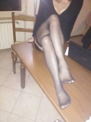 Miss marzo senza scarpe