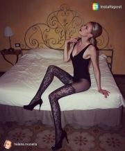 Miss marzo in body e collant neri
