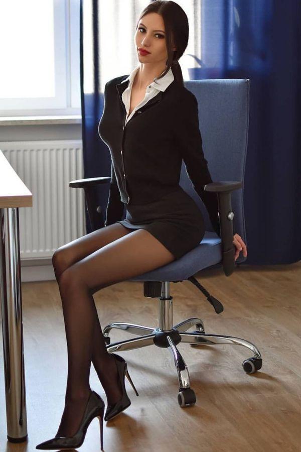 In ufficio in collant