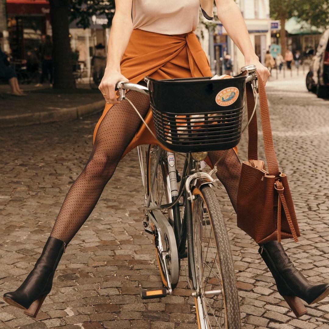 Gambettes in bicicletta