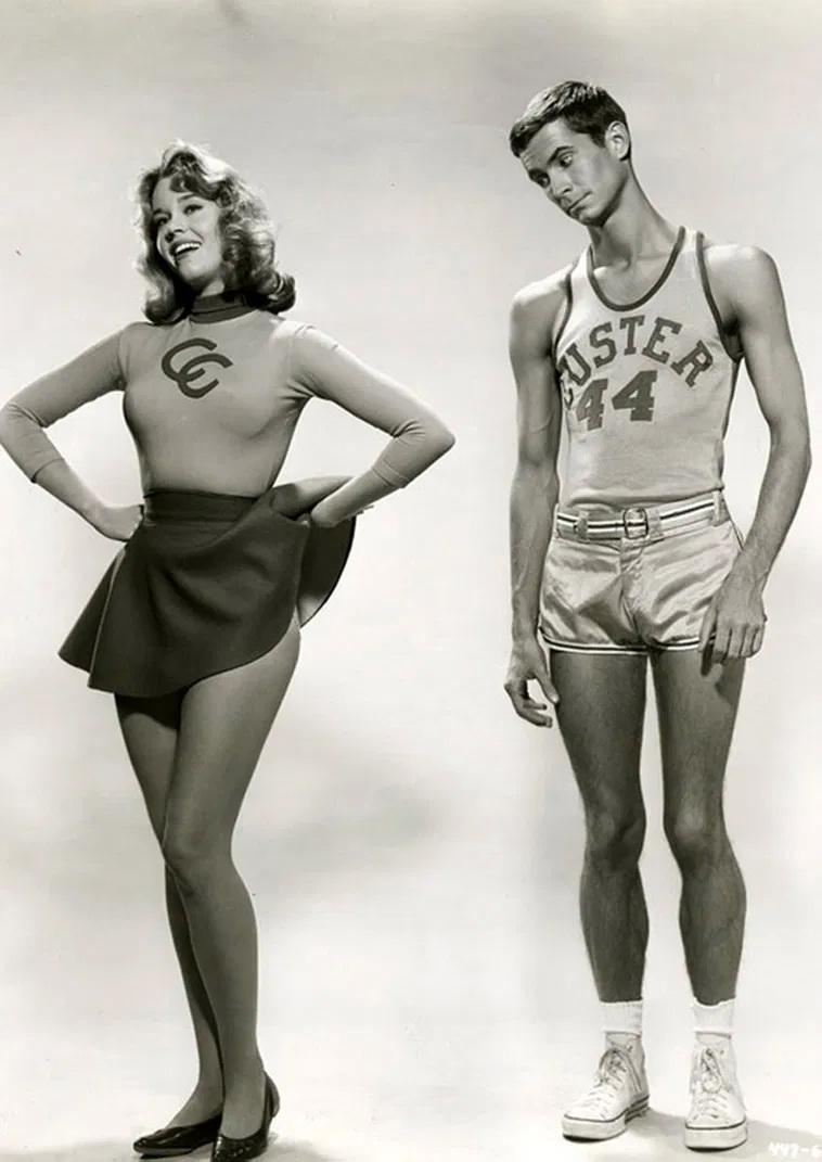Antony Perkins guarda le gambe di Jane Fonda