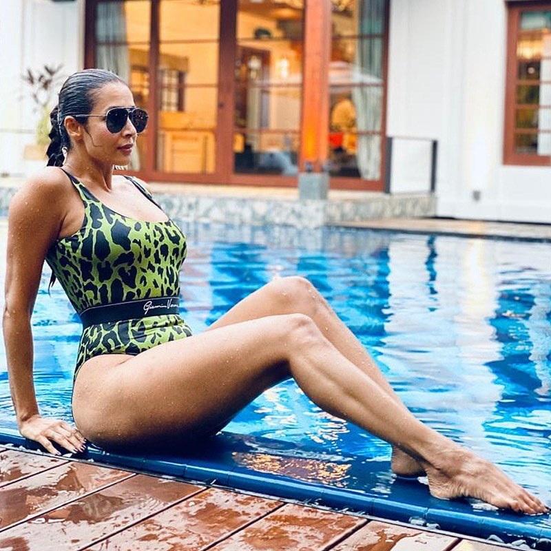 Malaika in piscina